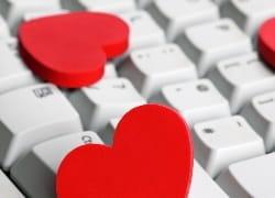 Herzen auf Tastatur