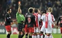 Rode kaart voetbalspeler