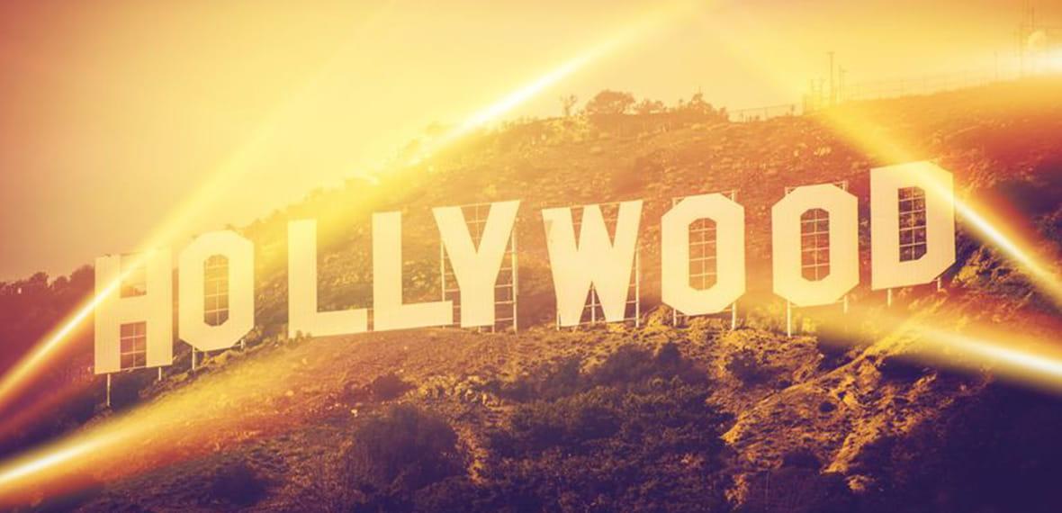 Tanda Hollywood Tampak dari Jalanan